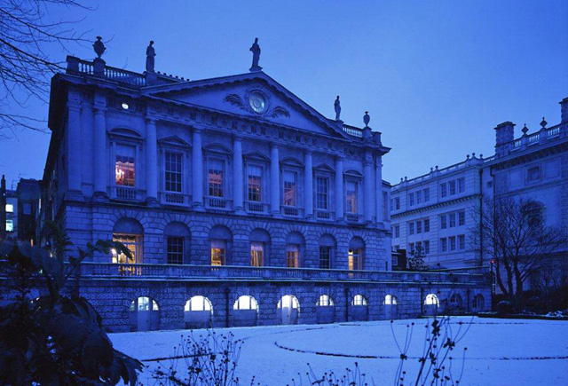 Spencer House in the snow, a perfect location for exclusive London weddings