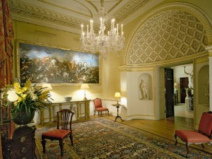 House tours in London's magnificent Ante Room at Spencer House